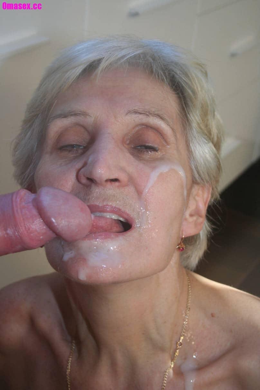 mann schluckt sperma hemmungsloser sex